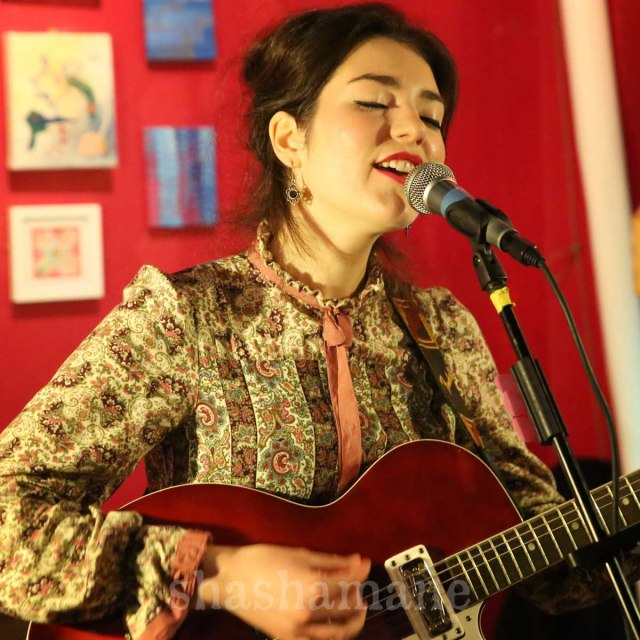 Daisy Victoria, at her first solo gig (c) shashamane