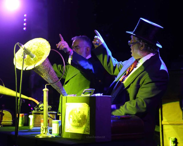 The Edison Brothers' Cylinder Set at The Pig's Big Ballroom