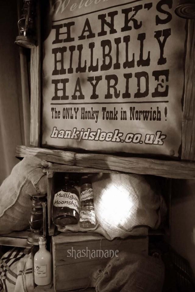 hank's hillbilly hayride (c) shashamane