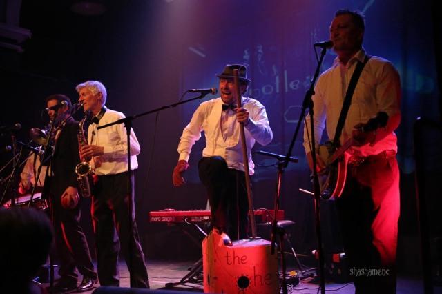 The He Hew's at Bootleg Swing (c) shashamane