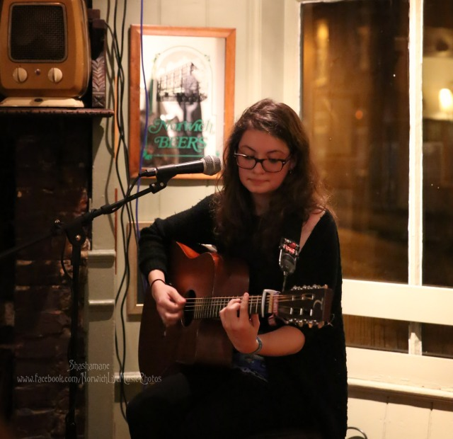 Laura Goldthorp (c) shashamane 2015